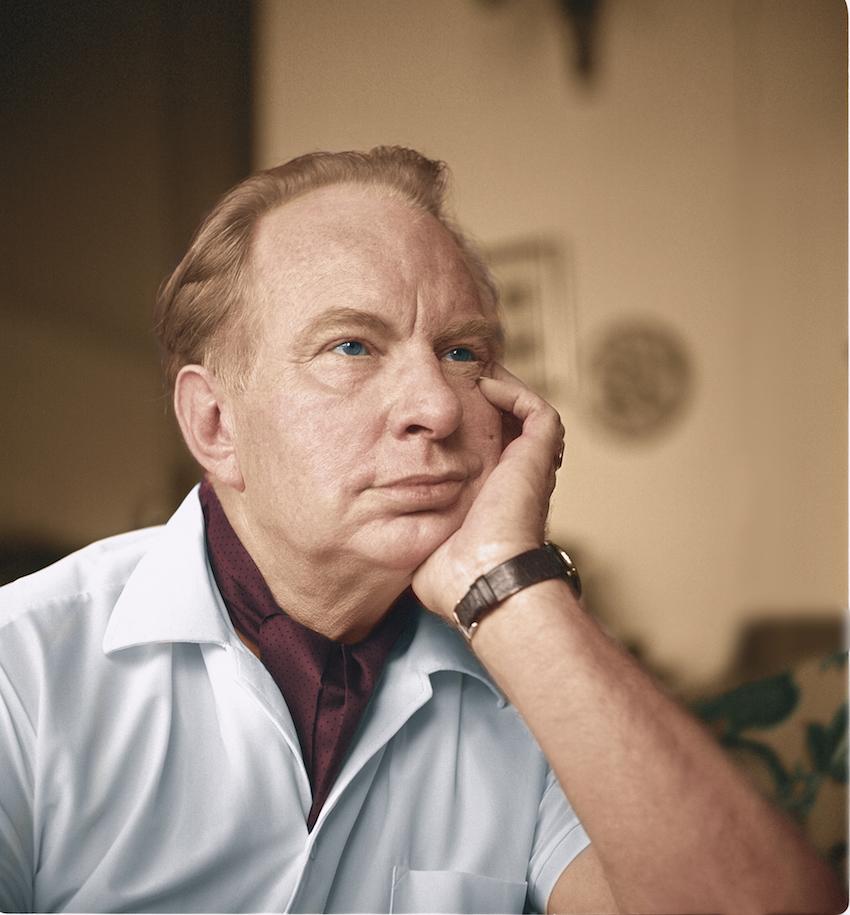 L. Ron Hubbard portré