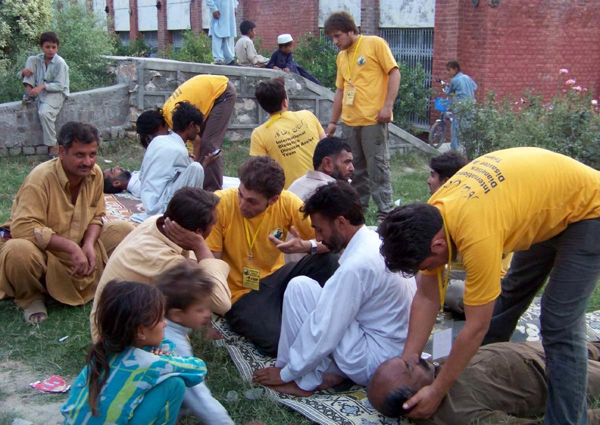 Önkéntes lelkészek assziszot adnak Pakisztánban