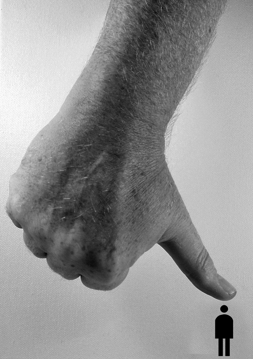 önmegvalósítás - Egy óriási kéz lenyom egy kis embert