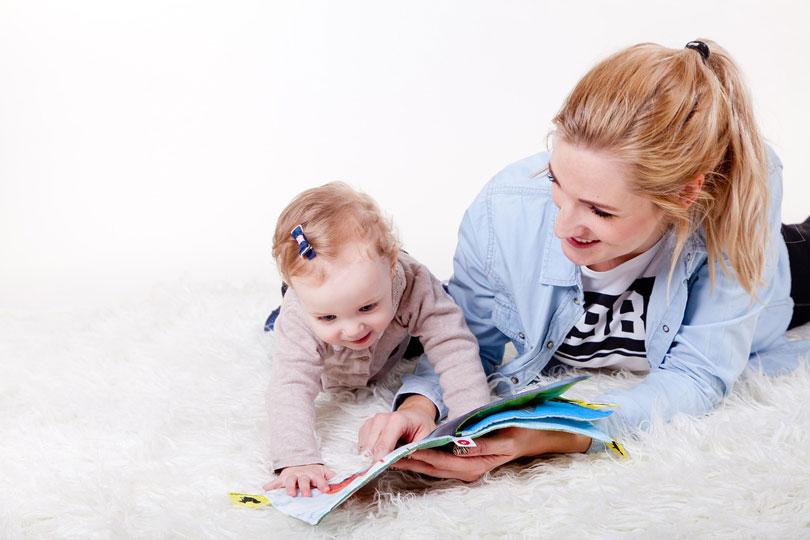 Anya olvas a gyerekével - gyereknevelés